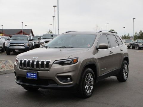 Pre-Owned 2019 Jeep Cherokee Latitude Plus w/ Comfort & Convenience Pkg