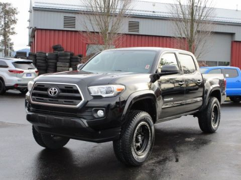 Certified Pre-Owned 2017 Toyota Tacoma Double Cba SR5