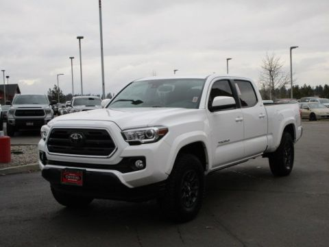 Certified Pre-Owned 2018 Toyota Tacoma Double Cab SR5 L/B